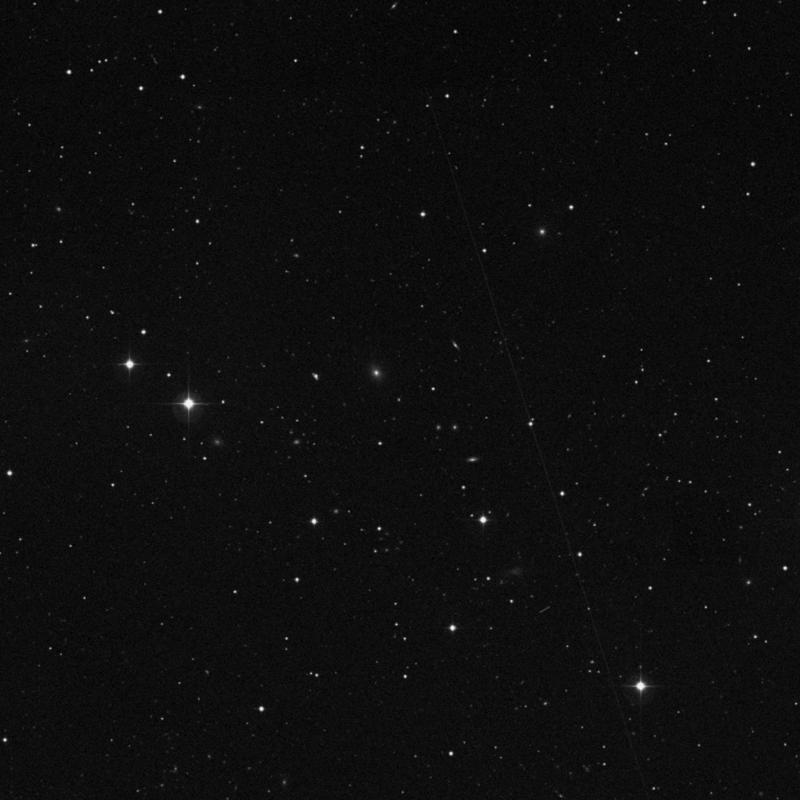 Image of IC 2719 - Elliptical Galaxy in Leo star