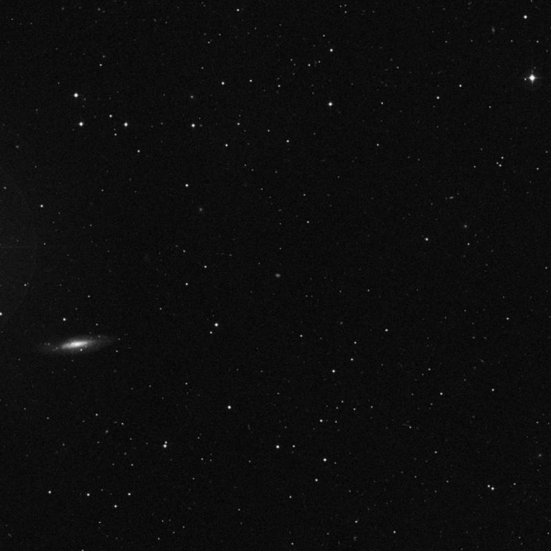 Image of IC 2792 - Elliptical Galaxy in Leo star